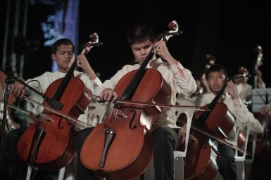 Blind children defy 'bad karma' to perform in Thai orchestra