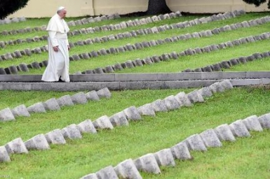 Pope in Redipuglia: War is madness. This is the time to weep