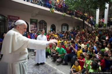 Manila Center For Street Kids Gets Surprise Visit From Pope Francis
