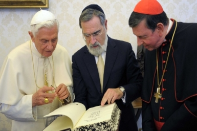 Pope Francis: Christians and Jews should build `a more just and fraternal world`