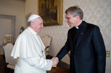 WCC general secretary shares with pope aspirations for unity, justice and peace