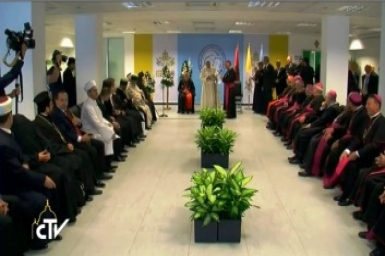 Pope to Albania`s faith leaders: religion is source of peace