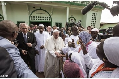 Pope Francis visits Grand Mosque of Koudoukou in Bangui