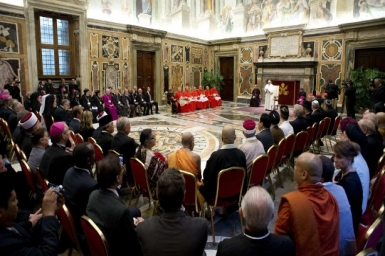 Dialogue for peace is religious obligation, pope tells leaders